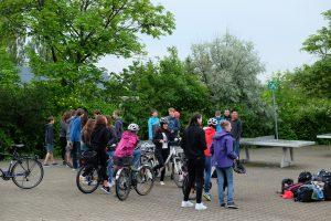Warten auf den Farradparcours